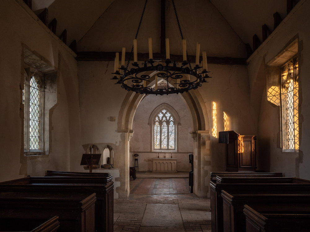 Using off-camera flash in Chickney Church
