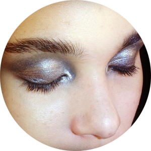 The gorgeously glossy, liquid silver, New York nights eye backstage at #donnakaran #ctfw #nyfw @maccosmetics @dkny.png