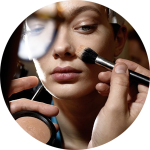 Moschino-AW14-Mac-make-up2.png