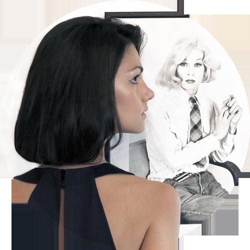 Sullo sfondo: Lady Warhol by Christopher Makos. Non perdetevi la mostra Altered Images, dal 12 Giugno al 3 Agosto presso la Galleria Carla Sozzani in Corso Como 10 a Milano. In collaborazione con Ports 1961.