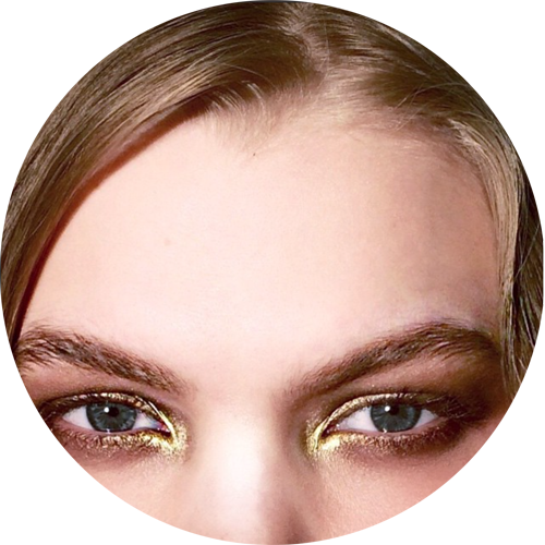 The gold smokey metallic eyes by Mark Carrasquillo backstage at Reem Acra - Regram @markcarrasquillo