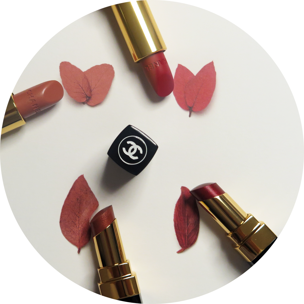 ROUGE ALLURE in PENSIVE - a rosy beige, ROUGE ALLURE VELVET in LA BOULEVERSANTE - a powerful red, ROUGE COCO SHINE in MÉLANCOLIE - an iridiscent copper and in TÉMÉRAIRE - a beautiful brick red.