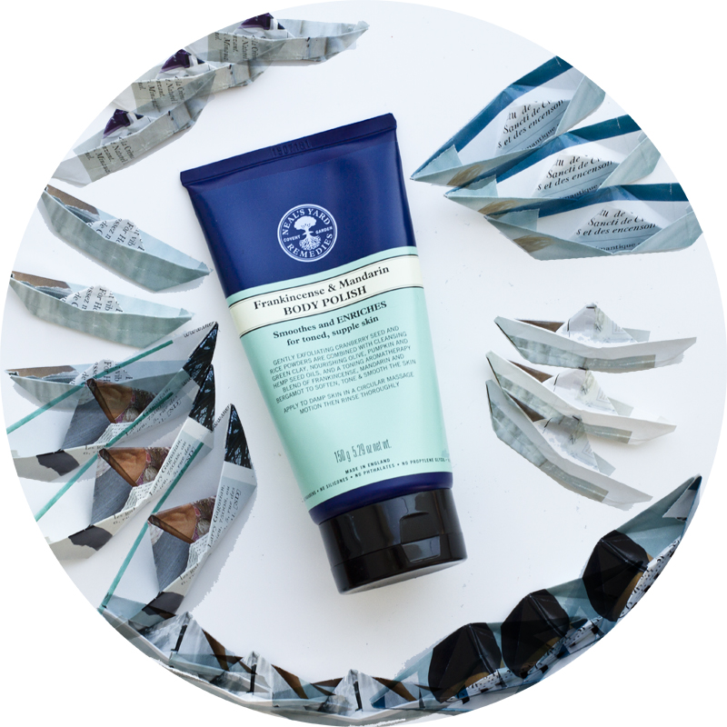 Neal's Yard Remedies Frankincense & Mandarin Body Polish summer bodycare
