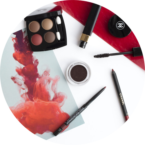Les 4 Ombres in 268 Candeur et Expérience; Mascara Dimension de Chanel in 40 Subversif; cream eyeshadow Illusion D'Ombre Velvet in 132 Rouge Contraste; Stylo Yeux Waterproof in 928 - Eros