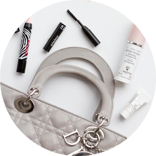 What I always carry in my purse: the Phyto Lip Twist Balm, the So Intense Mascara, the Double Tenseur and the Eye and Lip Contour Complex to fight even during the day the first sign of aging.