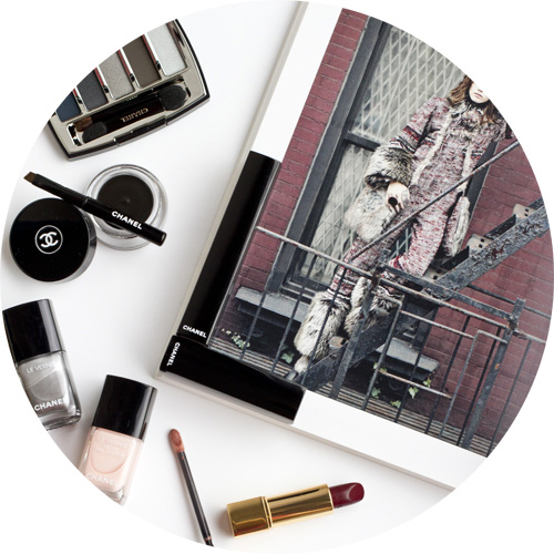 chanel collection libre -Le vernis longue tenue liquid mirror -le vernis velvet in pink rubber-calligraphie de chanel eyeliner hyperblack-eyeshadow palette in architectonic-rouge allure ultraberry.jpg