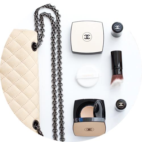 Les Beiges de Chanel è naturalezza on-the-go e permette ritocchi facili e veloci tutto il giorno.