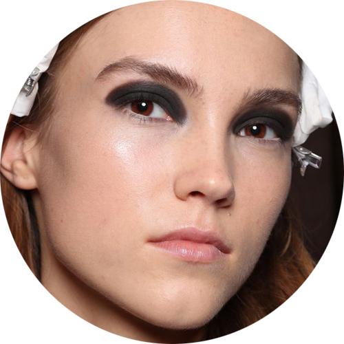 julienmcdonald- autumn-winter-2017-makeup-trends.jpg