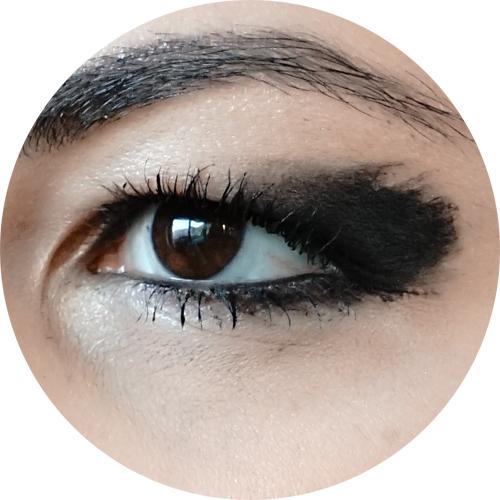 makeup trend inverno winter 2017- arty black liner.jpg