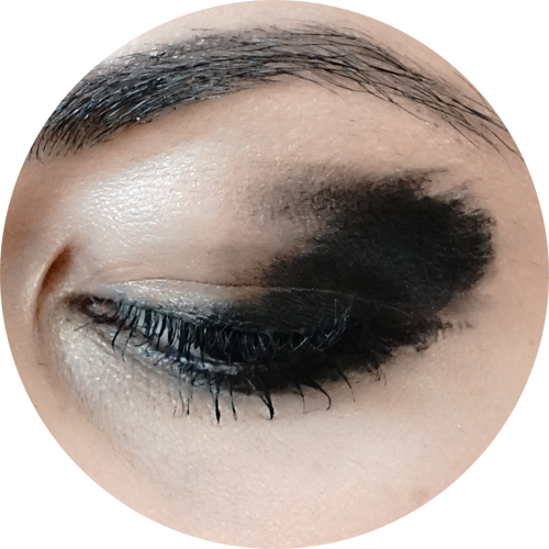 makeup trend inverno winter 2017- arty black liner2.jpg