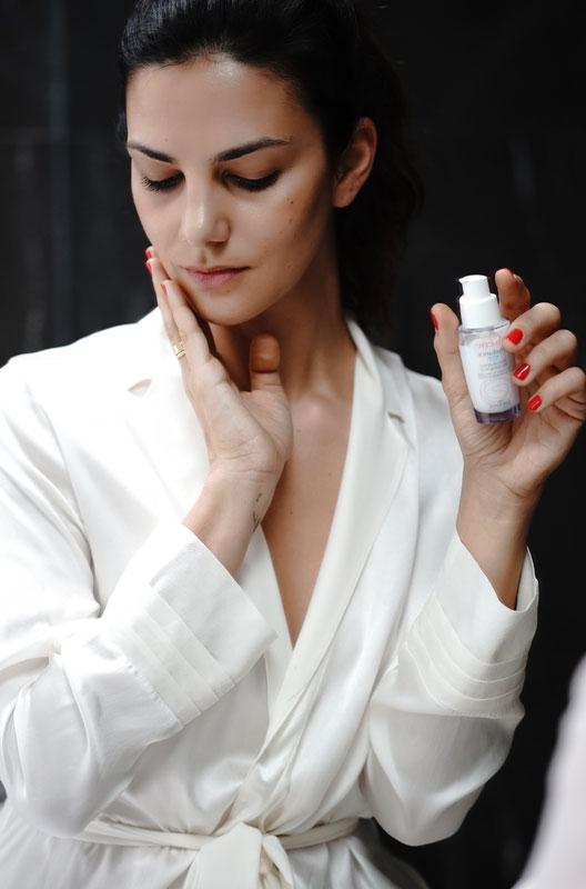 Con Avène Hydrance Intense la pelle del viso è subito dissetata e appare immediatamente più luminosa, morbida e rimpolpata.