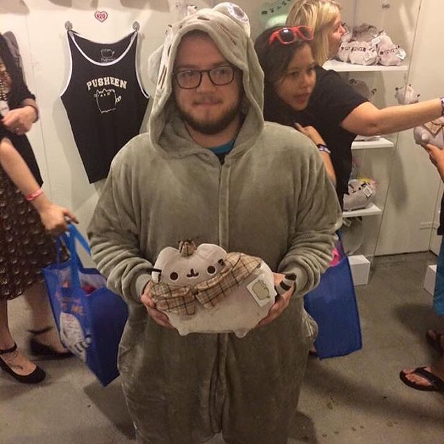 Me as Pusheen at last years CatCon😳