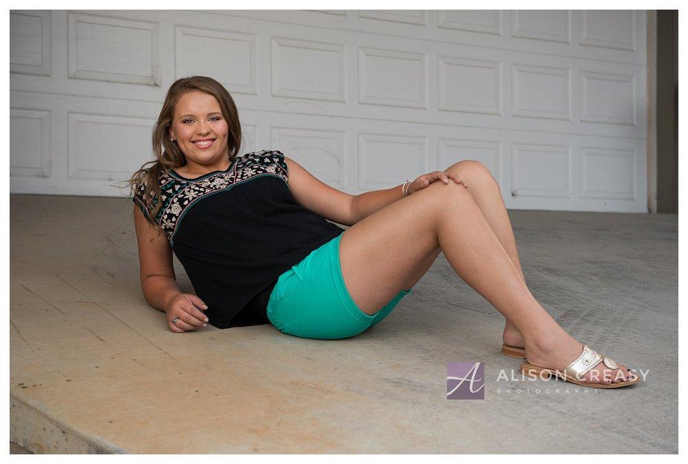 Megan senior_0065.jpg