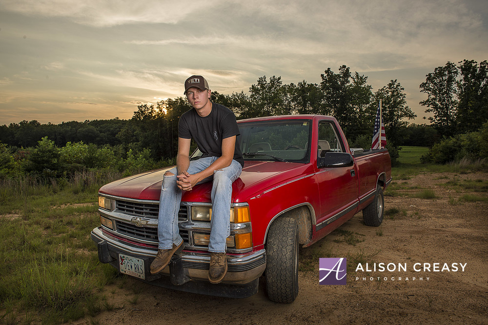 Senior_Photographer_Guys_Truck_Lynchburg_VA_Alison_Creasy