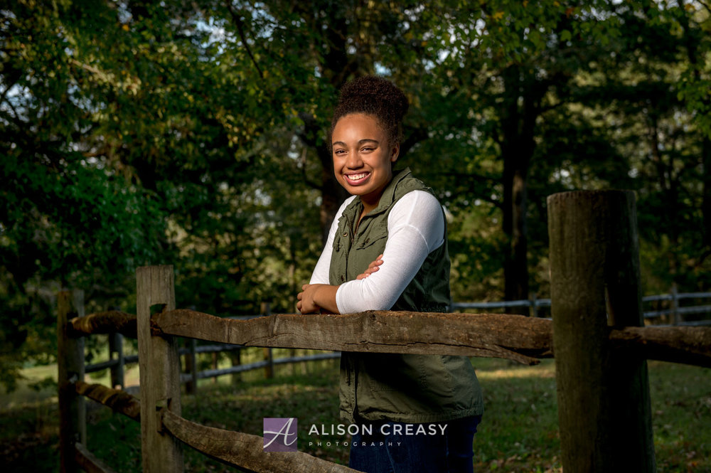 Scenic_outdoor_volleyball_senior_portraits_lynchburg_VA_alison_creasy_photographer--7.jpg