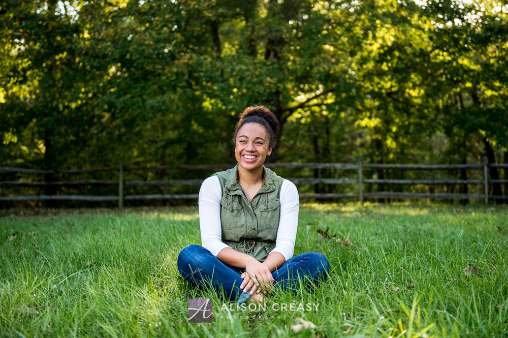 Scenic_outdoor_volleyball_senior_portraits_lynchburg_VA_alison_creasy_photographer--8.jpg