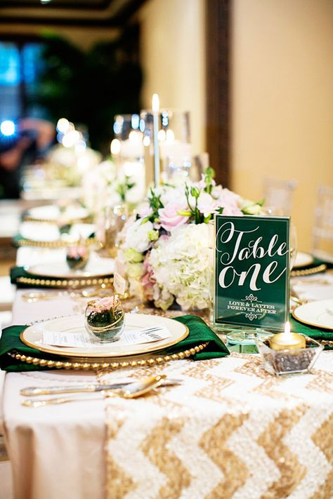 Add emerald decor to your table settings, a little bit of the color can really make everything come together for a nice, finished look