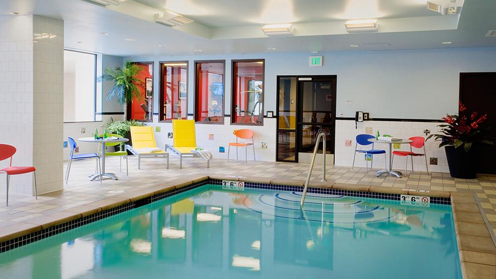 Pool_small.jpg