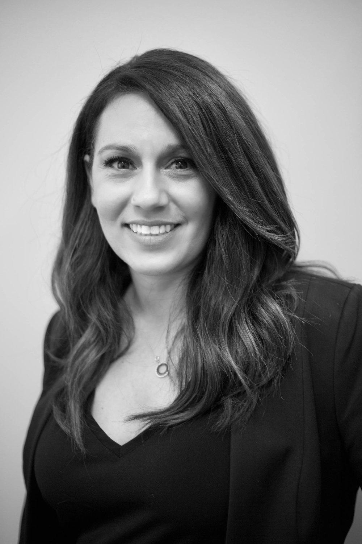 Jennifer Korab - OWNER   LEVEL 7   @jenniferkorabhair