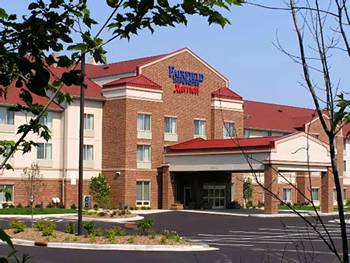 fairfield_inn_suites_by_marriott_wausau.jpg