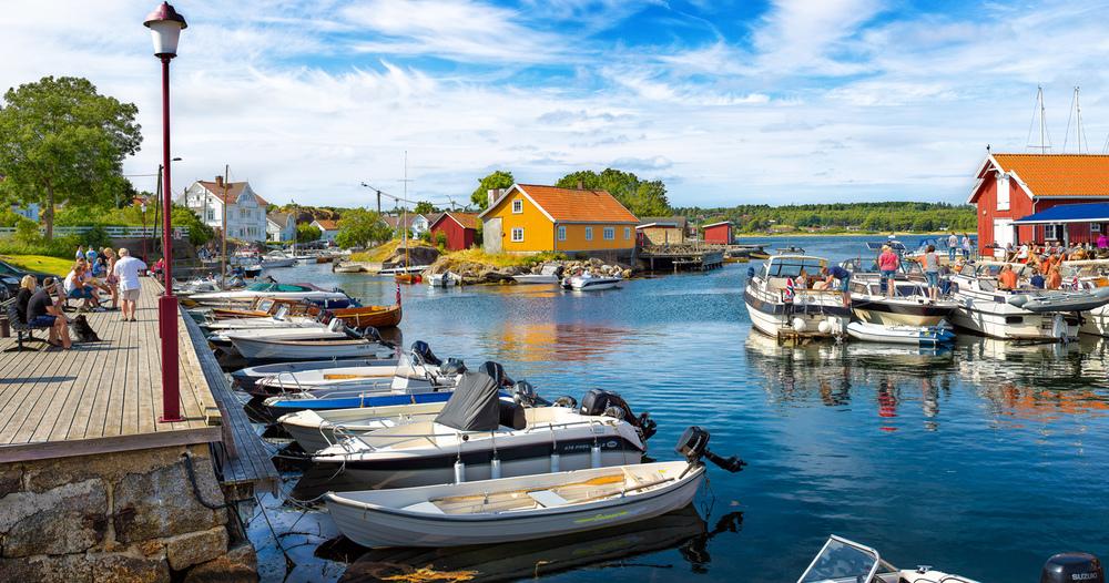 """Sommerstid blir det aldri """"feil"""" å oppholde seg i Nevlunghavn. Klikk på bildet for å forstørre."""