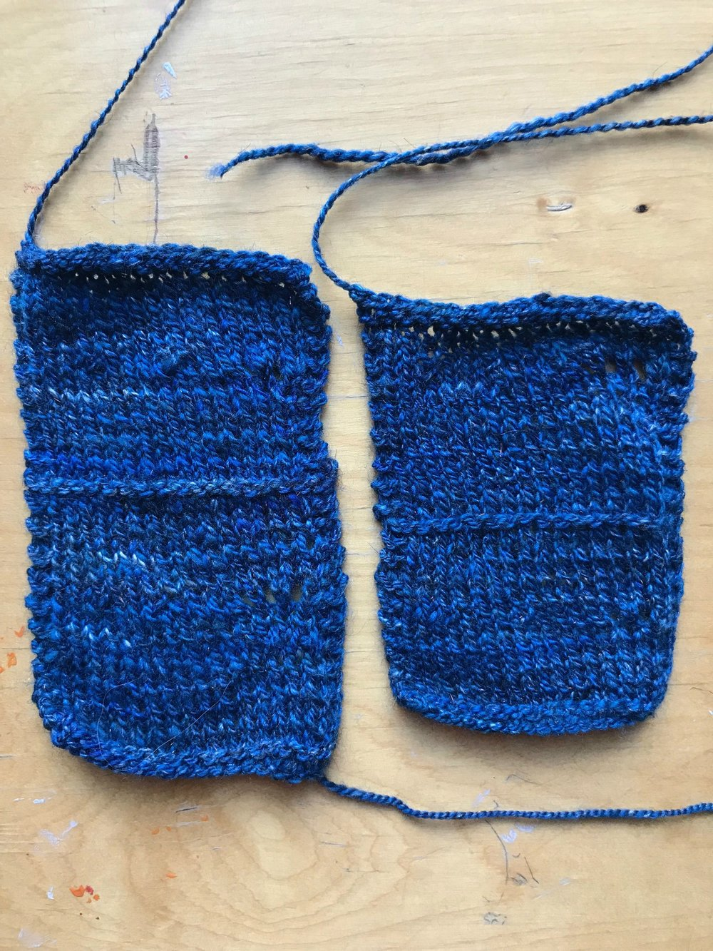 2-ply swatches woolen left edit.jpg