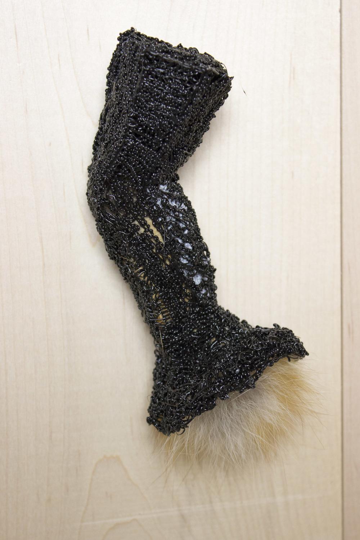 pfoufe (brooch #3)