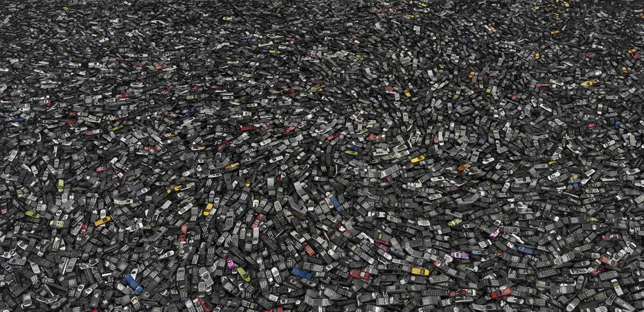 Chris Jordan, Cell Phones #2, Atlanta, 2005