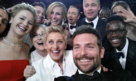 Ellen DeGeneres group Oscar selfie: @TheEllenShow/Twitter