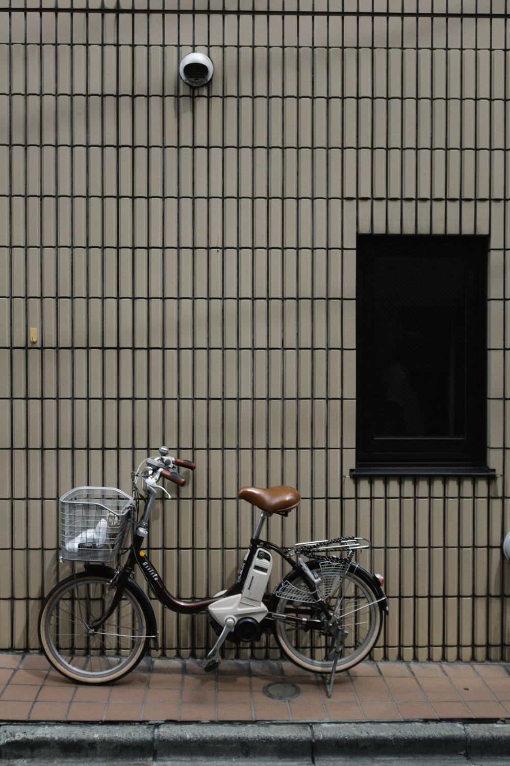 Marnie Hawson Melbourne travel   photographer, Japanese bikes