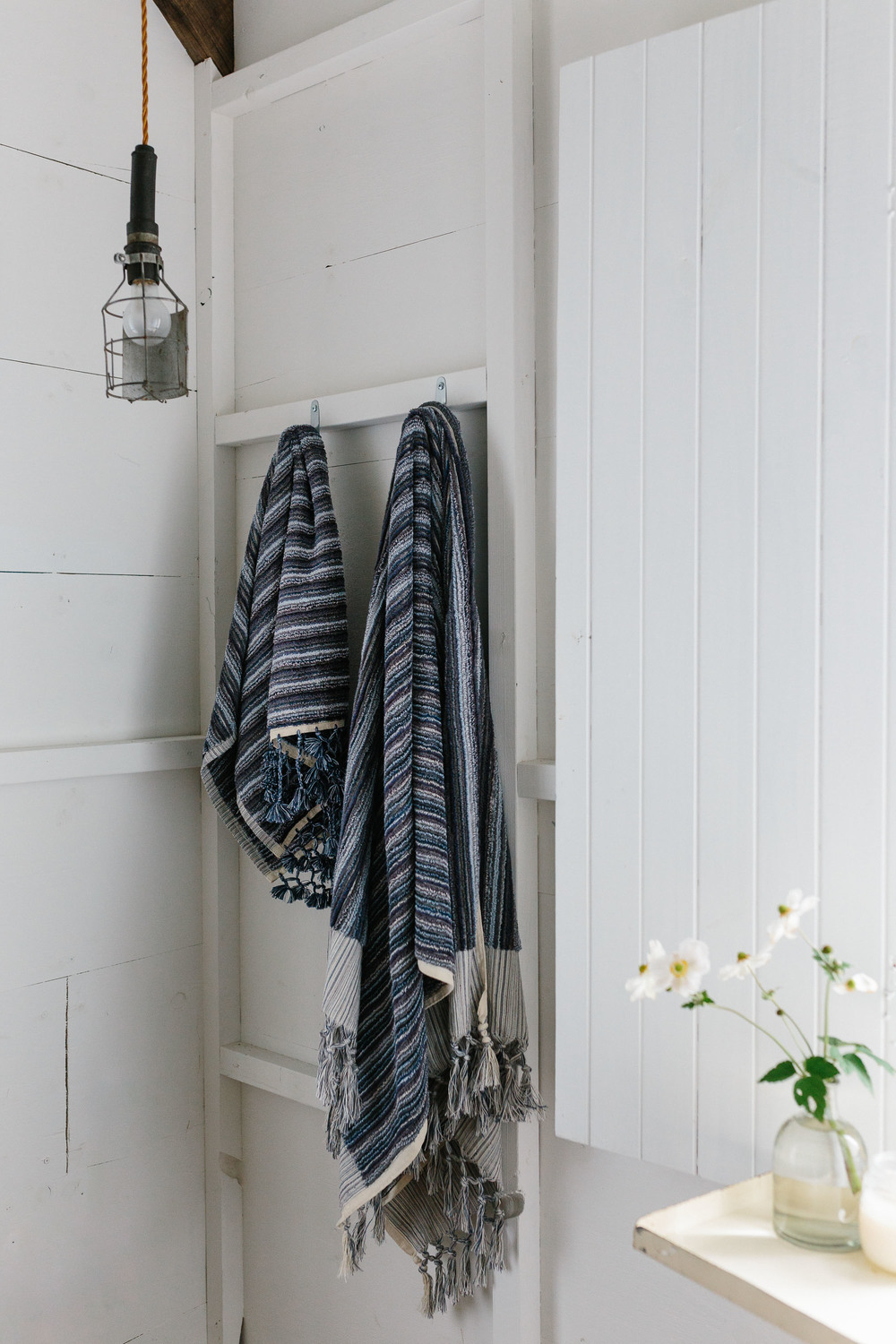 Marnie Hawson, Melbourne lifestyle photographer for Loom Towels at The Estate, Trentham