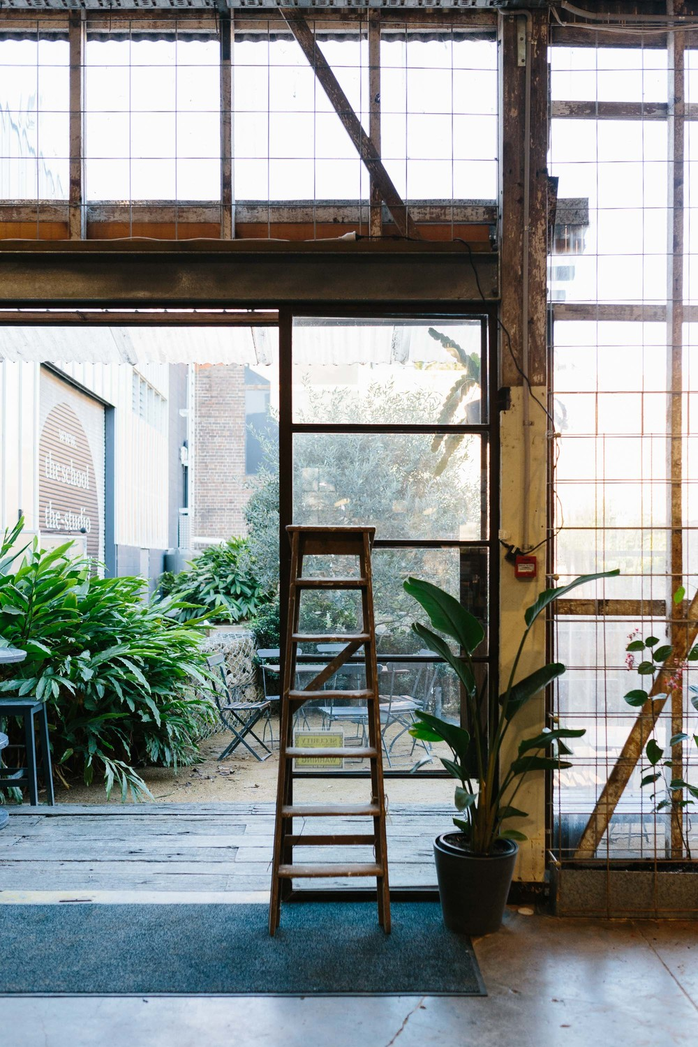 Marnie Hawson, Melbourne lifestyle photographer for The Downtime Agenda and Sasha Titchkosky from Koskela