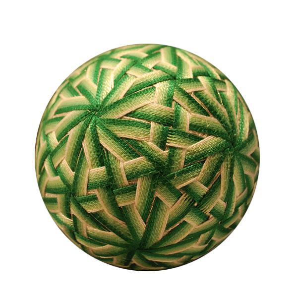 grandmother-embroidered-temari-balls-japan-14.png