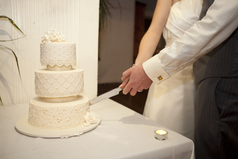 Tim and Rae Jones - Wedding cake 041210 012 - Copy.jpg