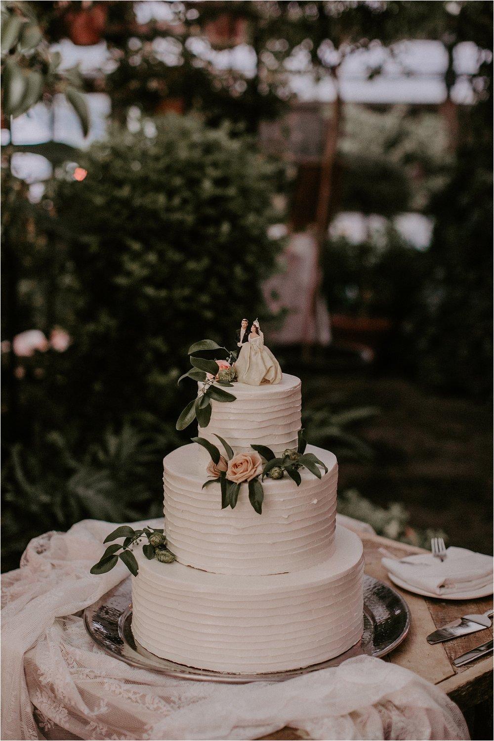 Sarah_Brookhart_Hortulus_Farm_Garden_and_Nursey_Wedding_Photographer_0077.jpg