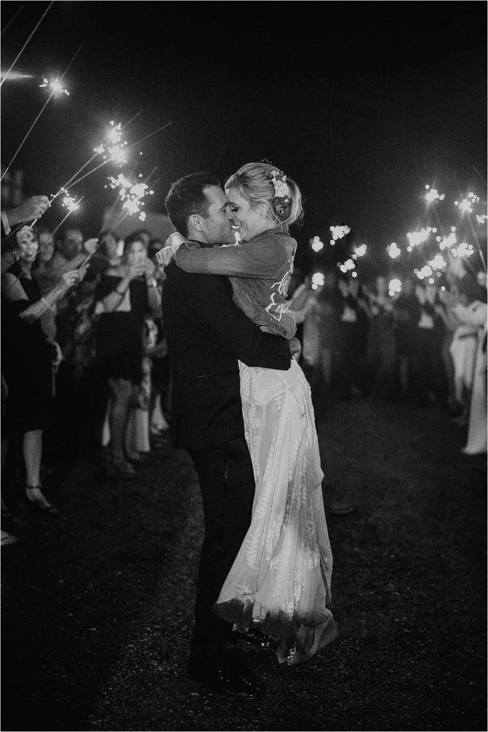 Sarah_Brookhart_Hortulus_Farm_Garden_and_Nursey_Wedding_Photographer_0083.jpg