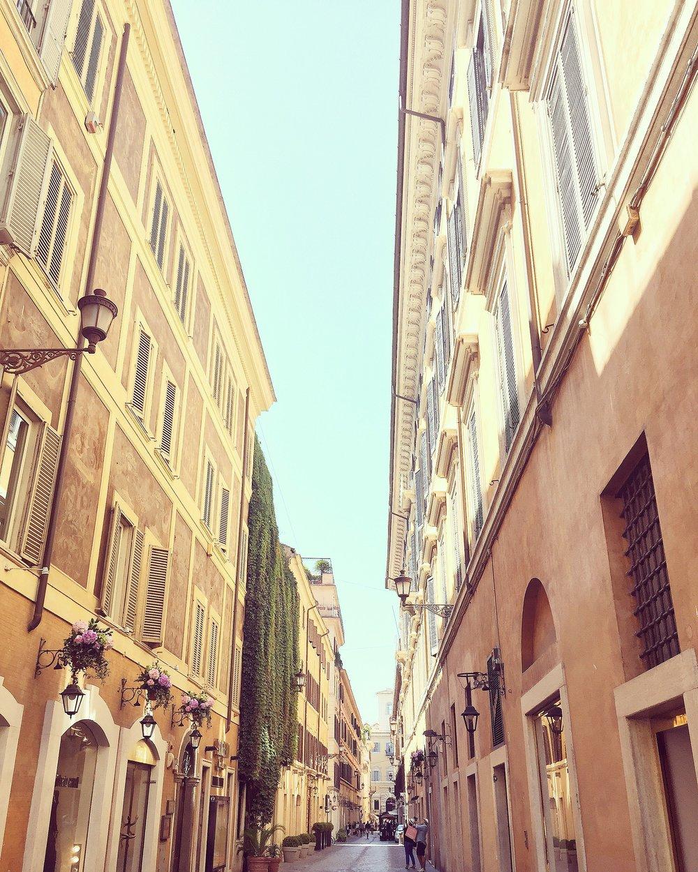 via Borgognona