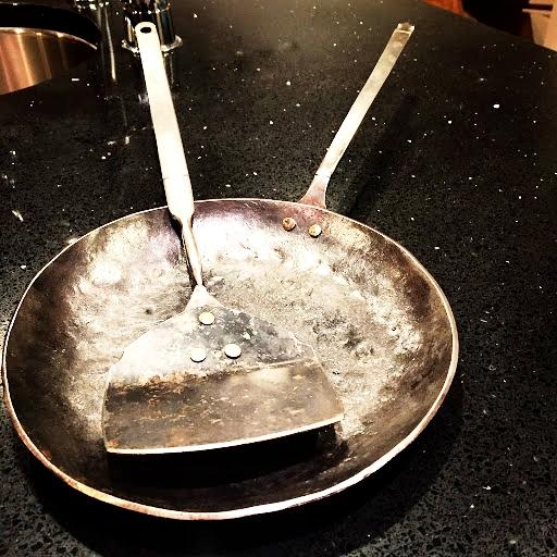 Nate Weiss spatula & pan
