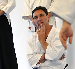 Goldberg-Sensei-seiza-watching-300x400.jpg