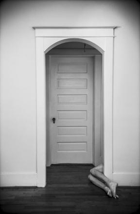 hallway_caustelle2014.jpg