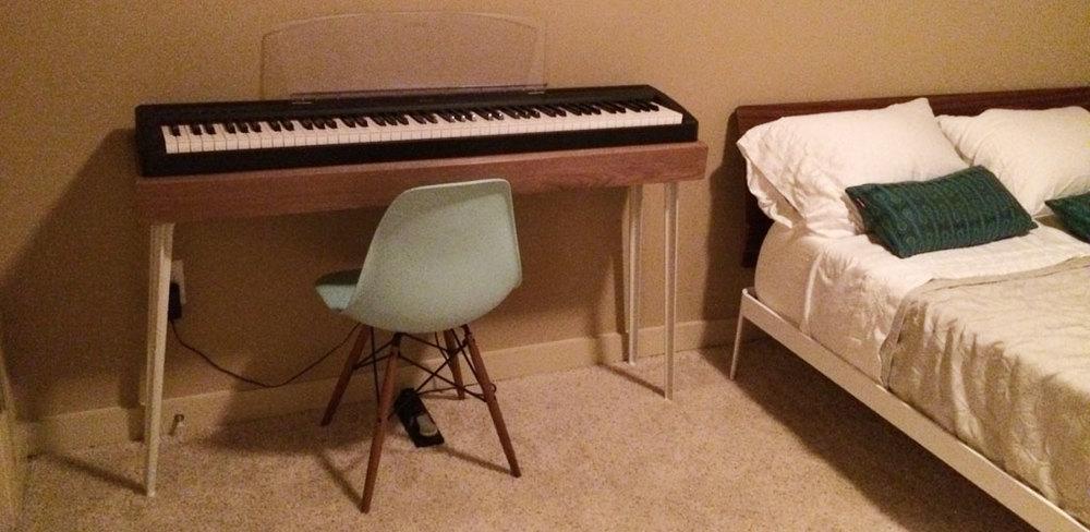 pianostand.jpg