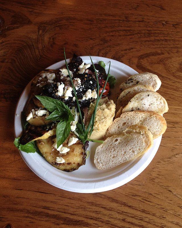 grilled greek salad w/ housemade hummus & feta today in the taproom @firstlightfarmer @embarkcraftciderworks #localfood  #farmfreshveggies