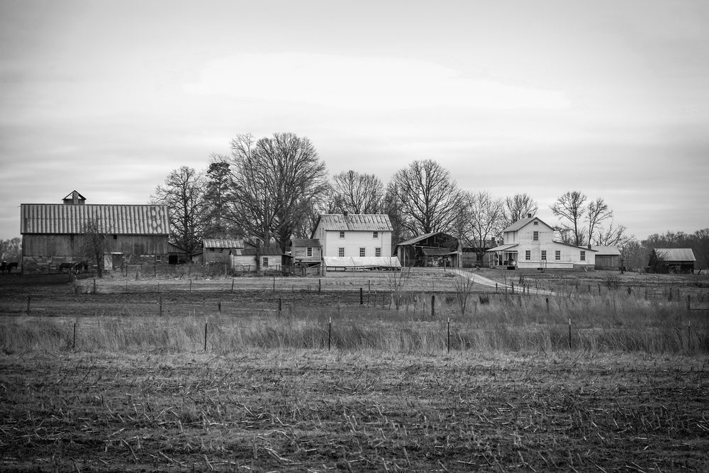 Amish Home BW 2 (1 of 1).jpg