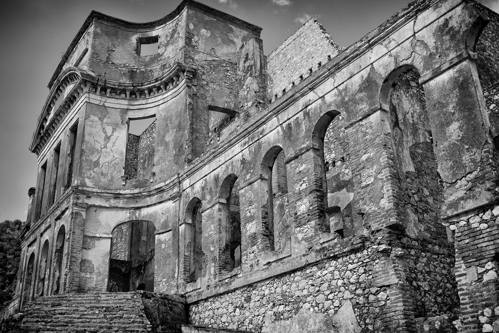 Palace ext 3.jpg
