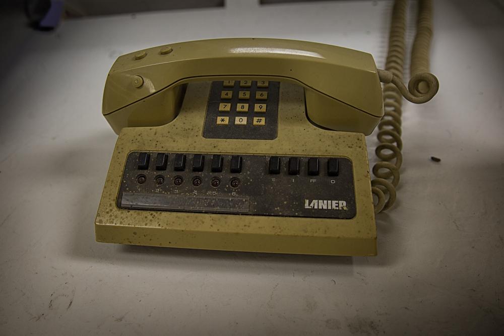 old phone 2 (1 of 1).jpg