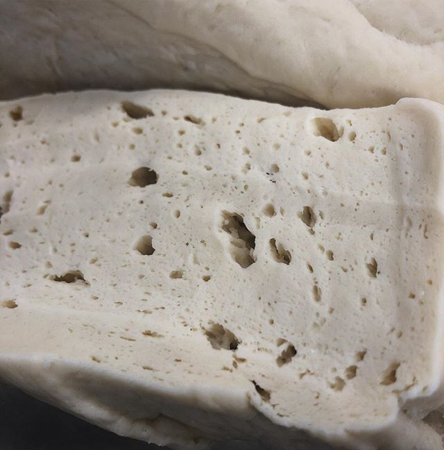 Close up of our #Dough Yo' We make our dough from scratch, real deal #HotAsianBuns #Baozi 👊🏾 @enfarmersmarket #Humpday 3:30-6:30 #Closeup #Bao #chinesestreetfood #nashvillechinese #realdeal #madefromscratch #eatnashville #nashvilleeats #nashvillefood #foodtrucklife #musiccity #eat615 #615 #doughlife #steambuns #riceupbaodown #BaoDown #CharsiuBao #fluffy #fluffygoodness #proofing
