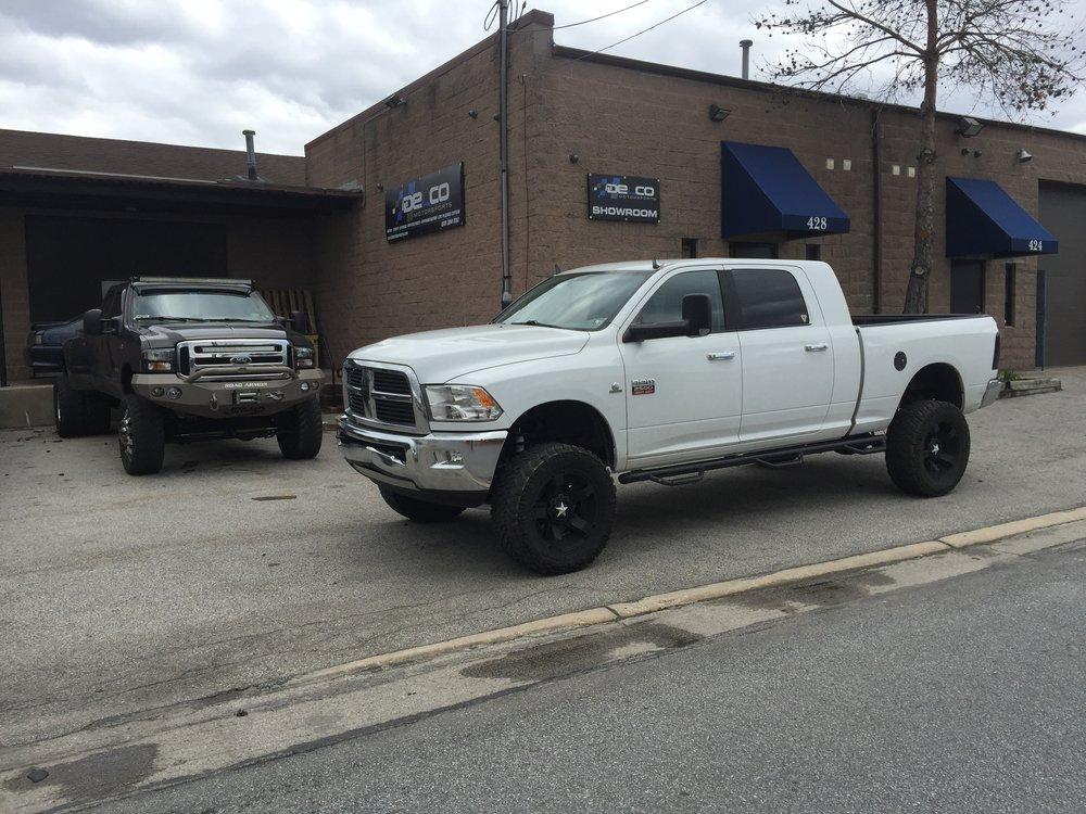 White Dodge extended Cab 1.JPG