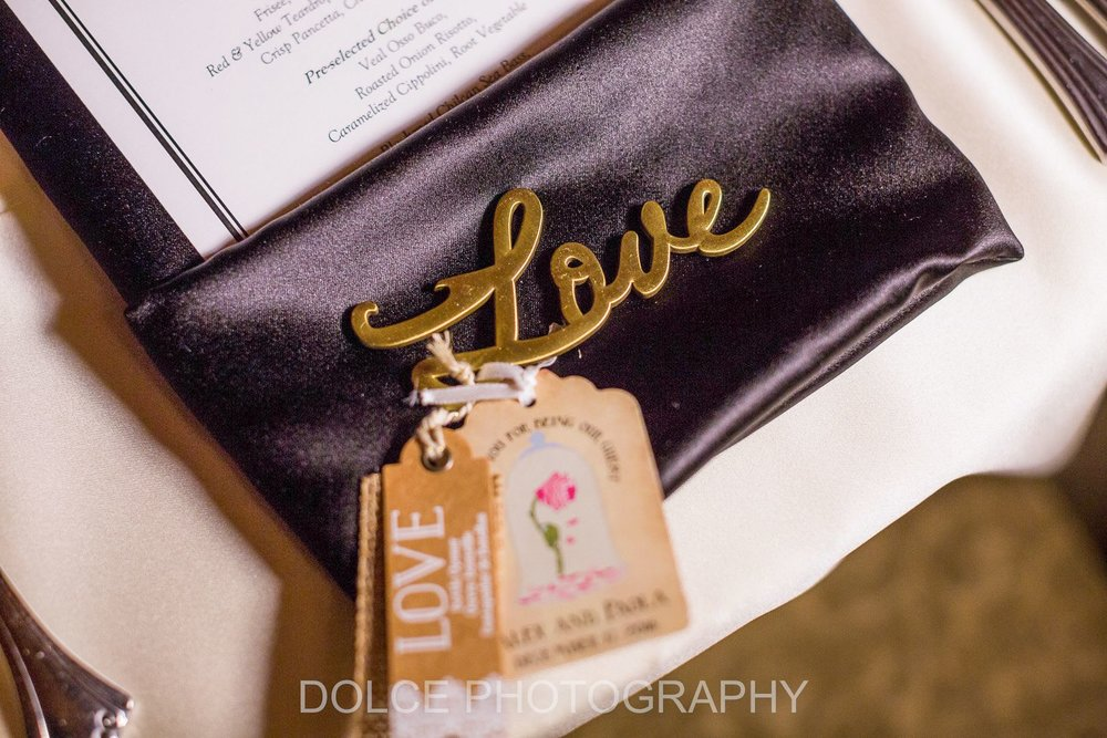 Wedding Planning by Flowers Unveiled.
