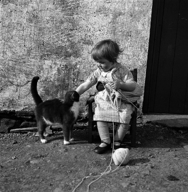 Girl with cat,  1939-46 ©Shetland Museum Archives
