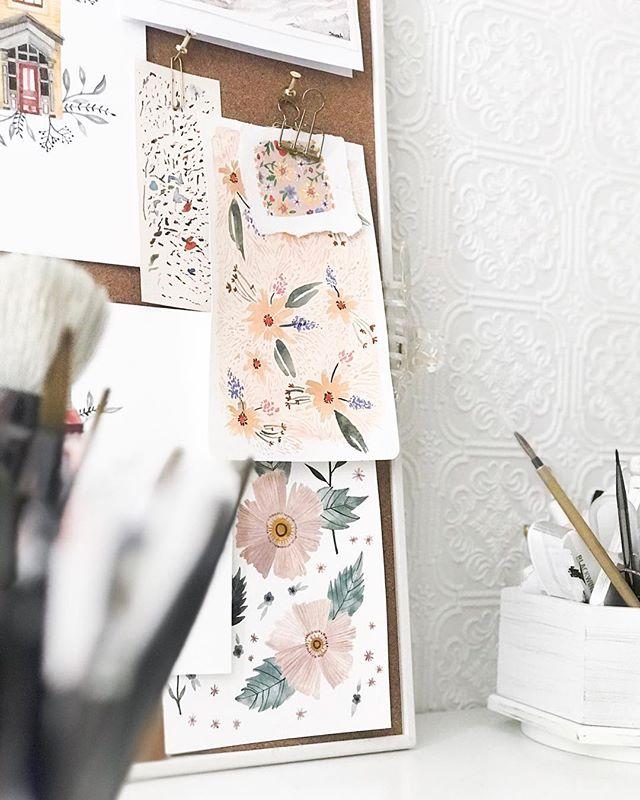 Views from mega desk!! (If you get the reference we can be friends) . . #vscocam #videoart #graphicdesigner #vsco #patterndesign #colourpalette #neighbourhood #patterns #illustration #art #drawing #textiledesign #artlicensing #wallpaper #floralillustration #wallcovering #pattern #plantbased @unumdesign #unum #fridayfavs